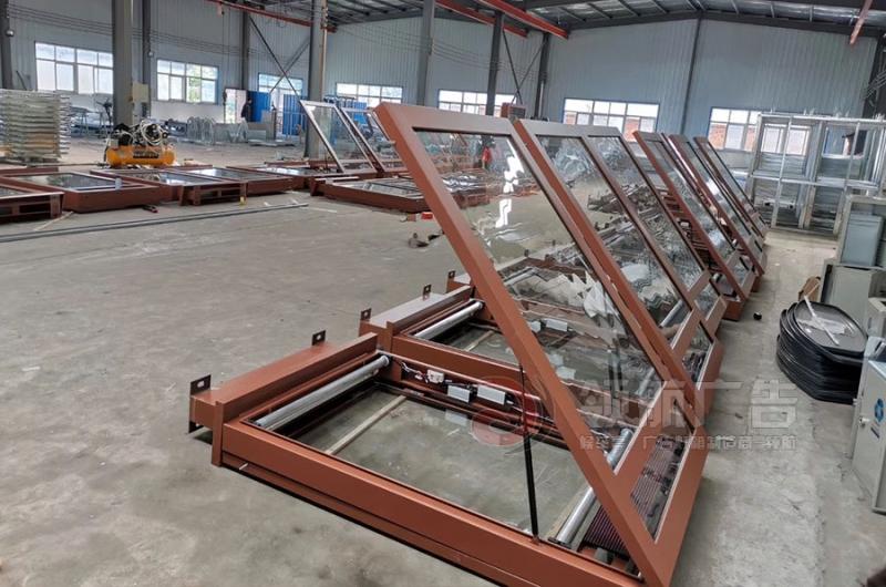 郑州100台滚动灯箱车间生产